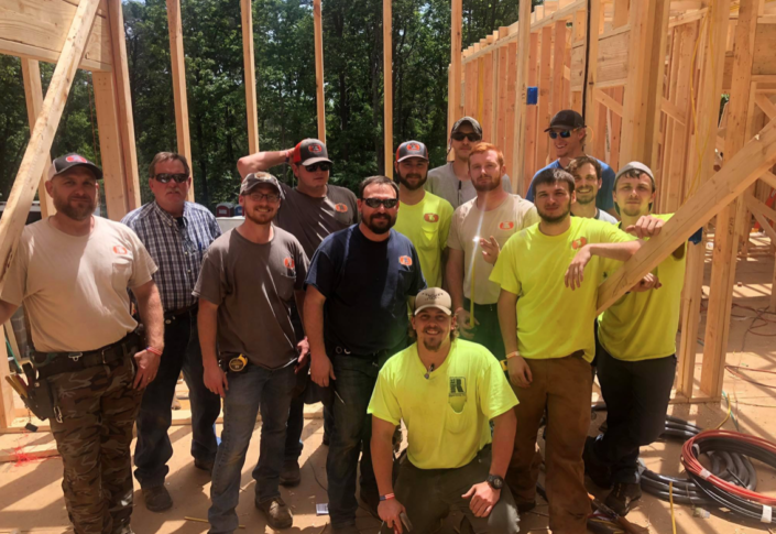 Work crew on site from solar energy companies in Chattanooga